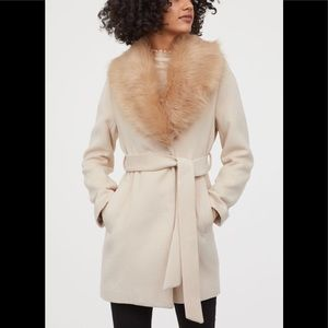 NEW H&M RARE Faux Fur Collar Coat